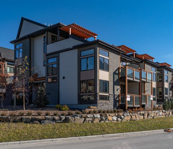 The exterior view of our custom Alder Mountain Home.