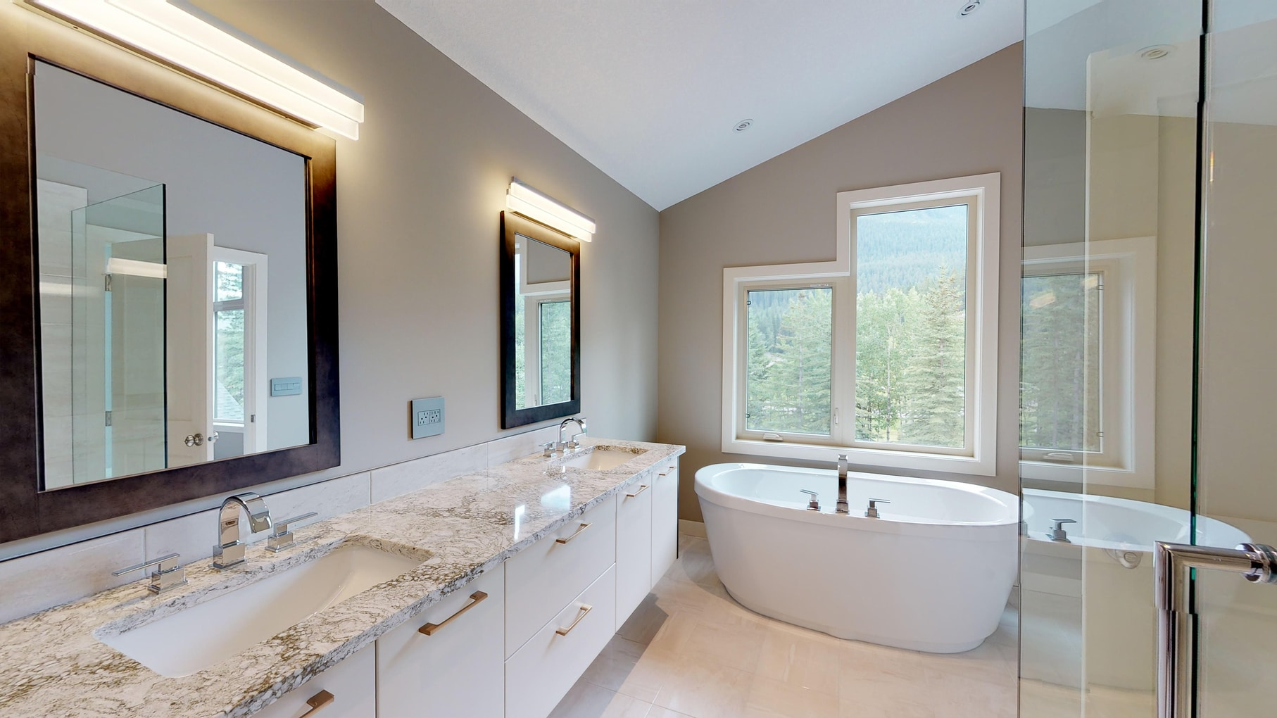 The Carrington Master Ensuite Luxury Bathroom.