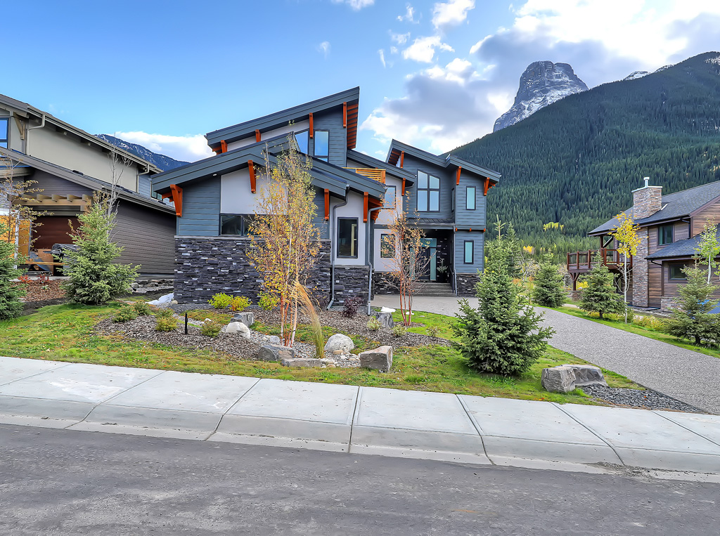 Why you should move to the mountains into dream homes designed by Distinctive Homes