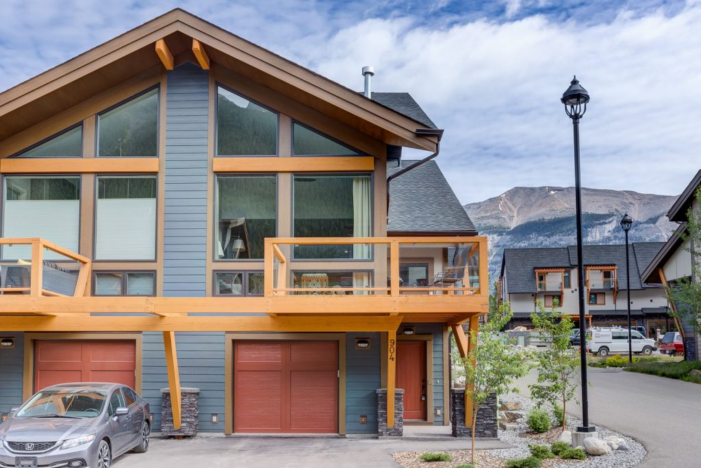 Custom built homes and condos for sale in Canmore
