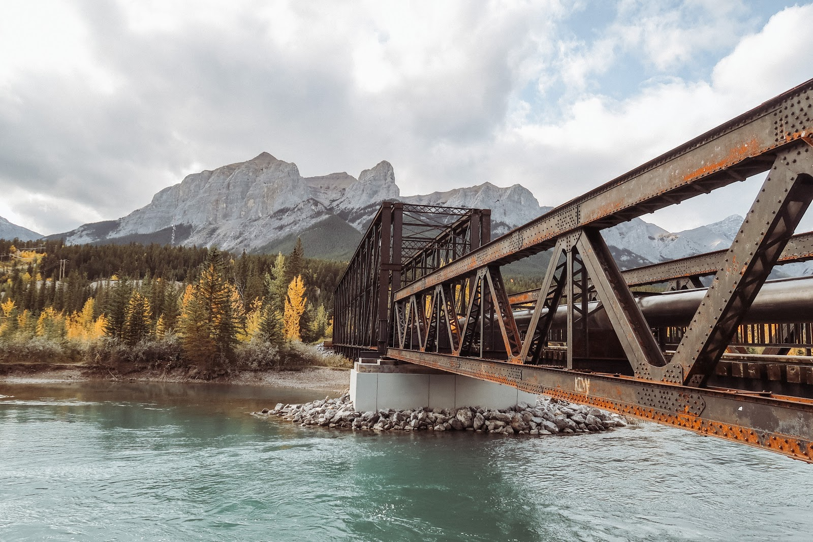 Canmore Alberta Distinctive Homes views, hikes and activities